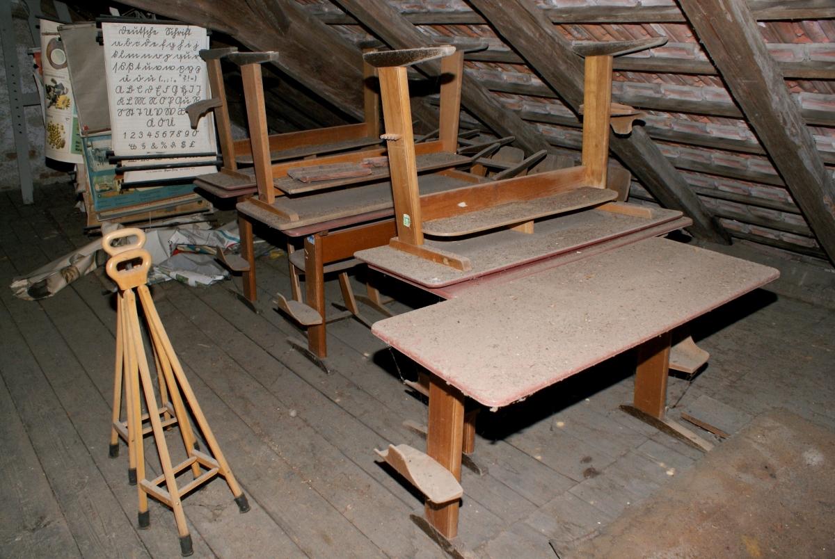 Bilder vom Dachboden des ehem. Kindergarten / Grundschule