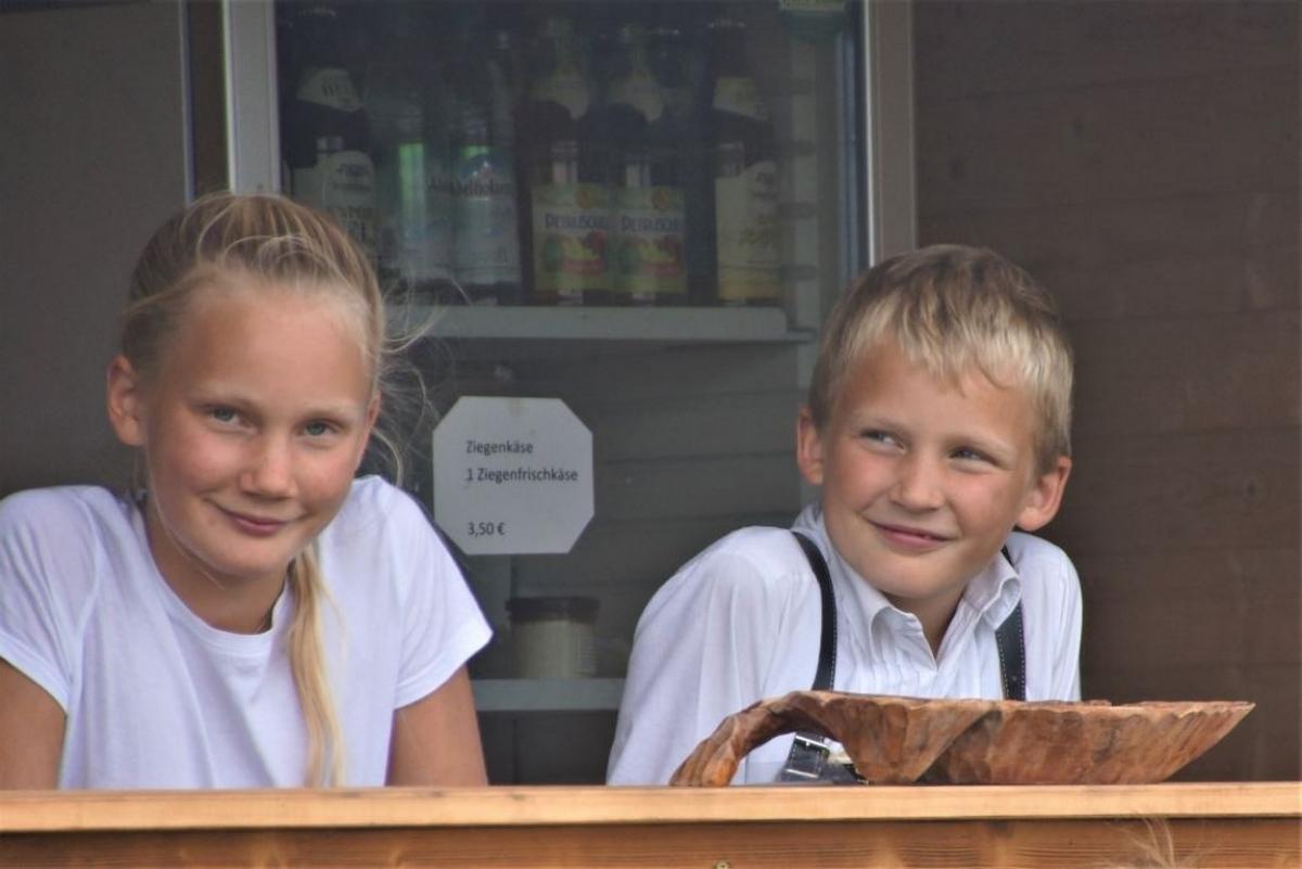 Vroni und Matthias Brandner sind die Chefs des Selbstbedienungs-Rastplatzes und kümmern sich um die ganze Organisation.