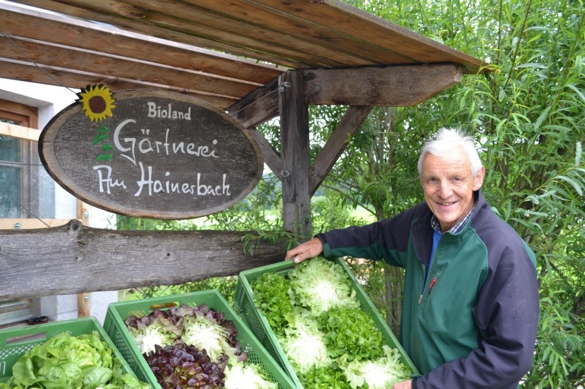 Harro Colshorn, Inhaber der Bio-Gärtnerei am Hainerbach bei Bruckmühl