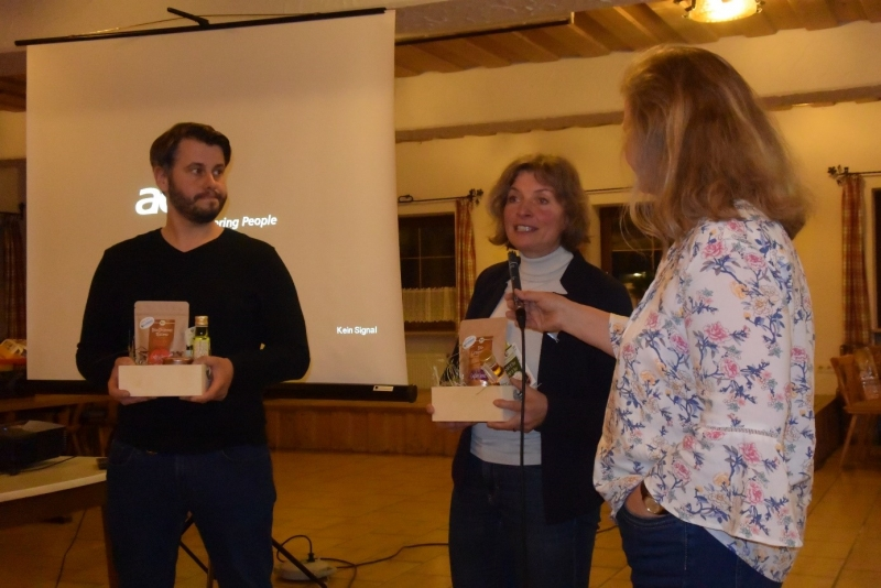 Unter der Moderation von Projektleiterin Marlene Berger-Stöckl (rechts) beantworten Wildbienenexperte Christian Müller und BN-Kreisvorsitzende Beate Rutkowski (Mitte) Fragen zum Thema Artenvielfalt im eigenen Garten.