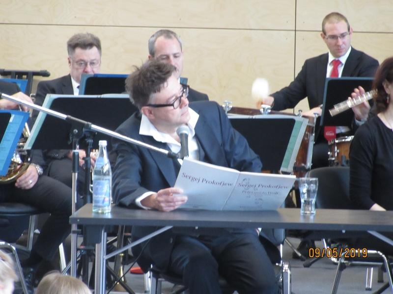 """Konzertbesuch des Stücks """"Peter und der Wolf"""""""